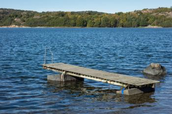 Detached jetty at Loddebo