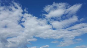 Epic are your s6 edge fluffy clouds 20150506_160602