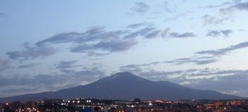 Etna at Dawn - Catania - Italy - Etna Volcano - Creative Commons by gnuckx
