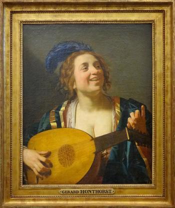 """""""Femme accordant un luth"""", Gerrit van Honthorst, 1624. Musée national du château de Fontainebleau. Dépôt du musée du Louvre."""