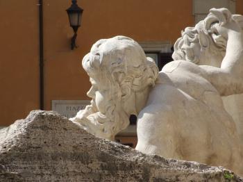 Fontana di Trevi - Italy - Roma - Creative Commons by gnuckx