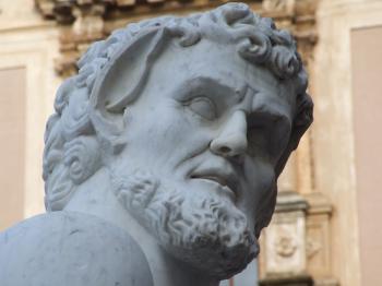 Fontana_della_Vergogna-Palermo-Sicilia-Italy - Creative Commons by gnuckx