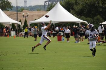 Football Player Catch
