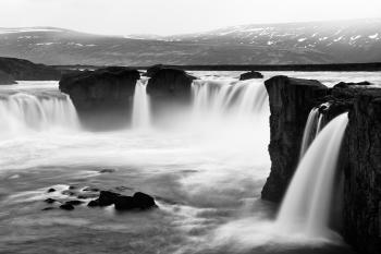 Godafoss - Black & White
