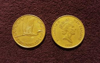 Gold Elizabeth New Zealand 1990 Coin