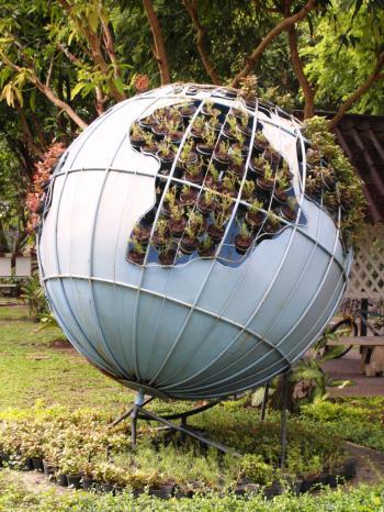 Green Planet Garden Structure