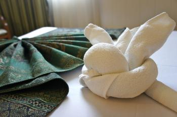 Icon hotel through towels