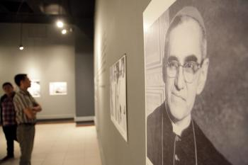 Inauguración de exposición y documental Mons. Romero