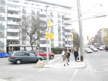 Intersection of Chaplin and Eglinton, 2013 04 09 -an