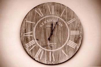 Kensington Brown Round Wall Analog Clock