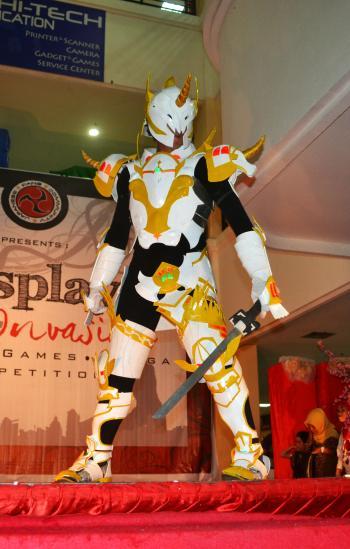 Knight cosplayer