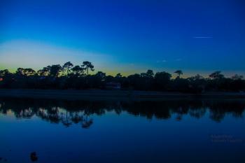 La nuit tombante sur le lac d'Hossegor