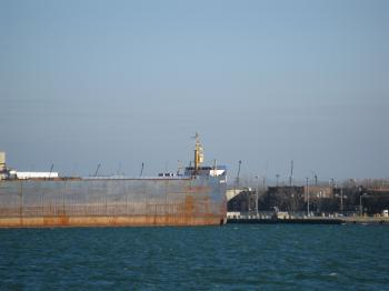 Lake freighter Algolake, moored in Toronto, 2013 01 16 -f.JPG