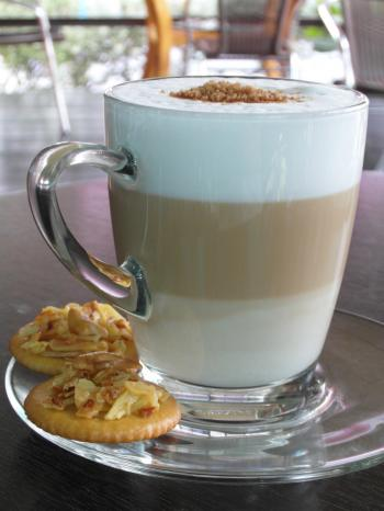Layered Latte with biscuits