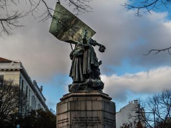Lisbon architecture - statue