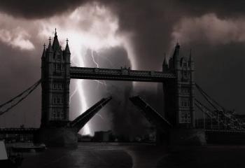 London Bridge Manipulation