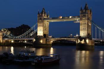 London Gate Bridge at Night