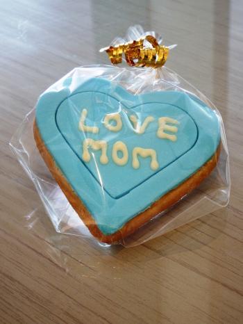 Love Mom Heart Cookie