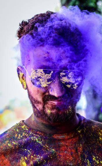 Ma in Black Aviator Sunglasses With Purple Smoke