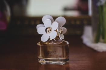 Marc Jacobs Daisy Fragrance Bottle
