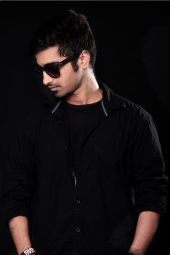 Men's Black Framed Sunglasses