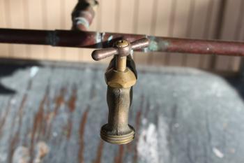 Metallic Faucet