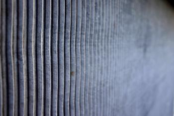Metallic grid surface