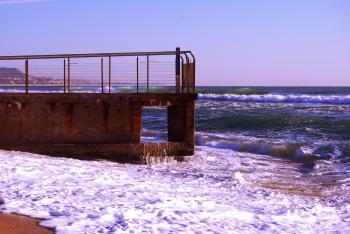 Mini pier at Playa de Badalona