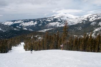 Mountain vista from Sierra at Lake Tahoe slope