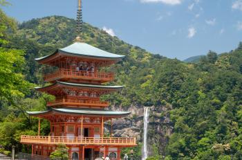 Nachi-san Seiganto-ji Three-storey Pagoda and Nachi Falls