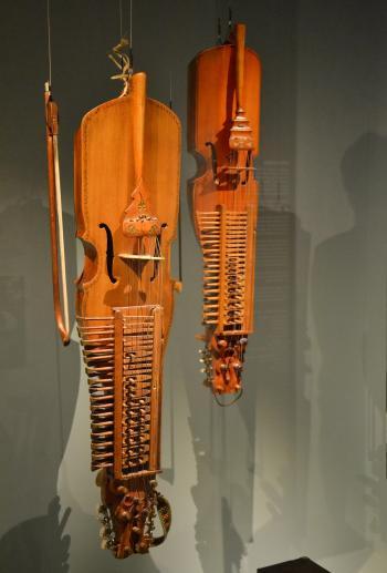 Nyckelharpa instruments