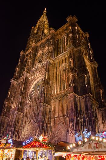 Petits chalets, grande cathédrale