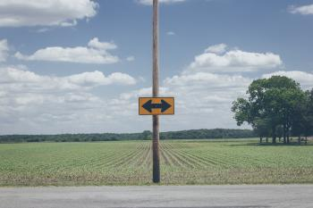 Photo of Yellow Arrow Road Signage