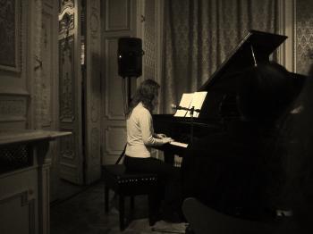 Piano In The Dark