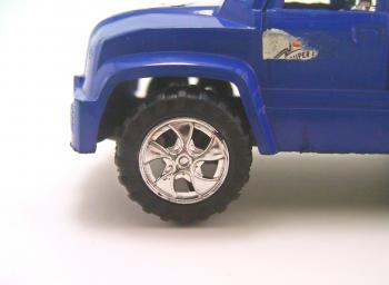 Plastic toy wheel