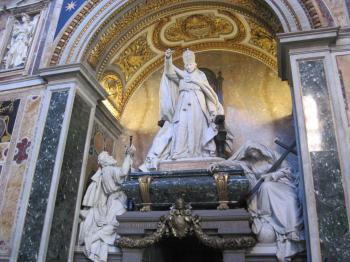 Pope statue inside the St.Peters Basilica