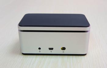 Portable stereo bluetooth speaker