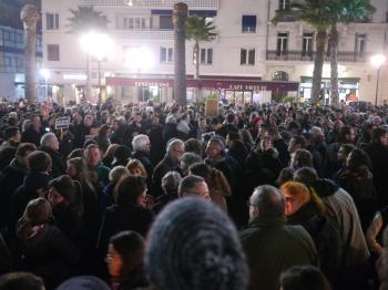 Rassemblement de soutien à Charlie Hebdo - 7 janvier 2015 - Toulon - P1980278