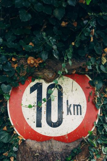 Red and White 10 Km Sign