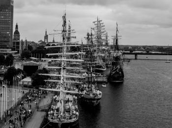 Sailing ships masts
