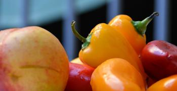 Selective Focus Photography of Bell Pepper