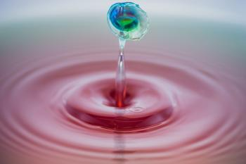 Shallow Focus Photography of Water Droplet