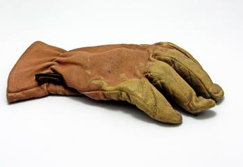 Single glove
