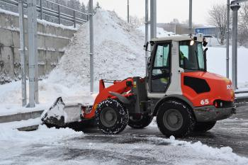 Snow clearance machinery