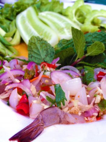 Spicy Raw-Prawn Salad
