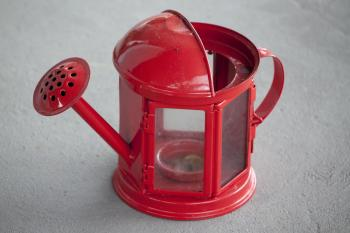 Spout shaped lantern
