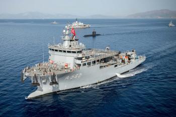 Submarine Rescue Ship TCG Alemdar (A582)
