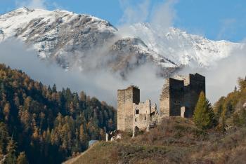 Tschanuff Castle