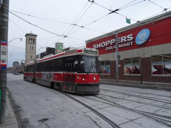 TTC vehicles at the intersection of Parliament and Queen, 2015 01 17 (1)