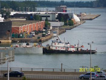 Tug and notch barge, -g.jpg